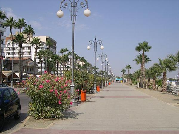 Кафе в центре г. Ларнака (Кипр)