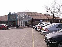В Великобритании, компания, оперирующая сетью магазинов и сервиса на скоростных автодорогах