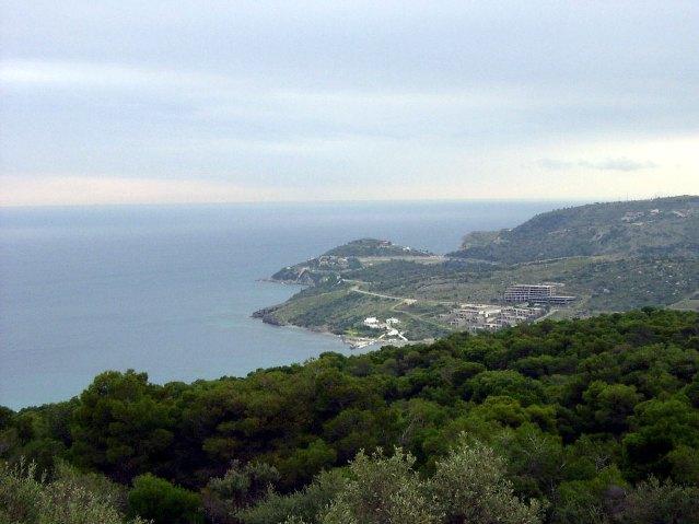 Два участка на острове Эгина в районе Вая в пяти минутах от порта Сувала, Греция