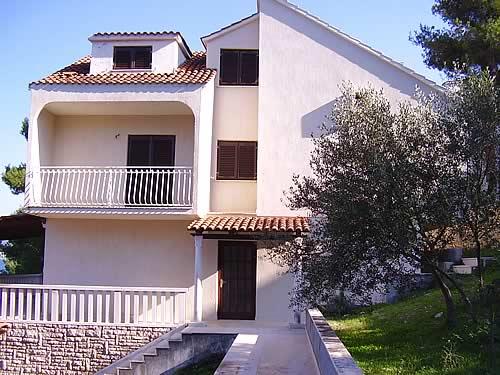 Дом-отель в Хорватии на острове Чиово