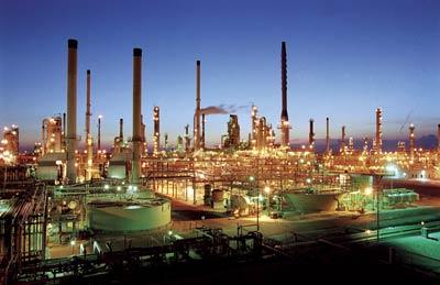 В Великобритании НПЗ нефтеперерабатывающий завод (Oil Refinery)