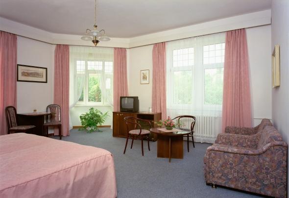 Предлагается к продаже в частную собственность действующий отель 4**** в Праге