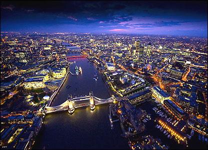 Лицензированная компания по обмену валюты, переводу денег за границу в Лондоне на продажу.