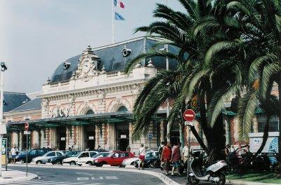 Гостиница у центрального вокзала Ниццы - высокий и заслуженный авторитет.