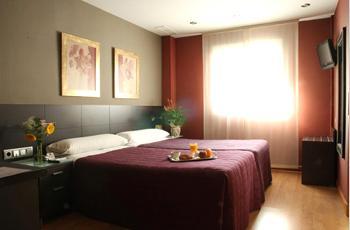 Современный Отель 3*** в Мадриде