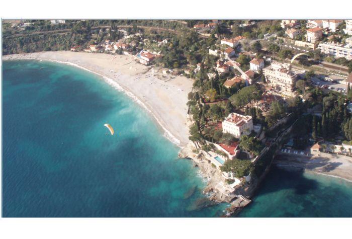 Вилла в окрестностях Монако.