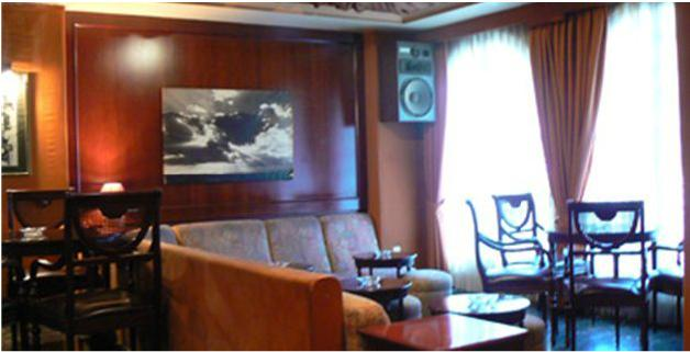 Отель 2* , Валенсия, 500 м от моря