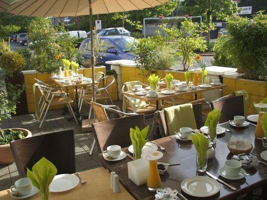 Ресторан в Германии, земля Северная Вестфалия, в Дуйсбурге.