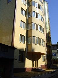 Гостиница с офисными помещениями в Сочи