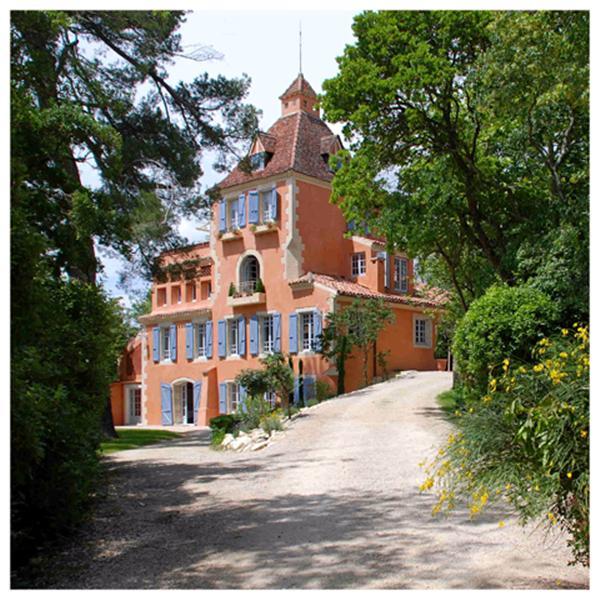 Уникальный замок-отель класса люкс, на Юго-Западе Франции