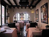 Красивый дом с рестораном в центре Антверпена, Бельгия
