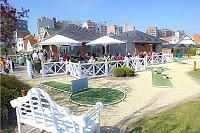 Известный мини-гольф клуб, в 200 метрах от моря и пляжа в Бельгии.