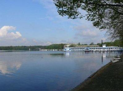 Замечательная гостиница на Тегельском озере и так же ресторан в столице Германии - Берлине