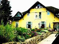 """Пaнсион """"Saint Andrea"""" находится недалеко от центра популярного туристического местa Сентендре"""