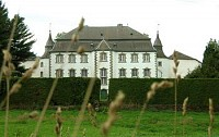 Великолепный замок XVIII  века в Бельгии, на границе с Люксембургом и Германией.