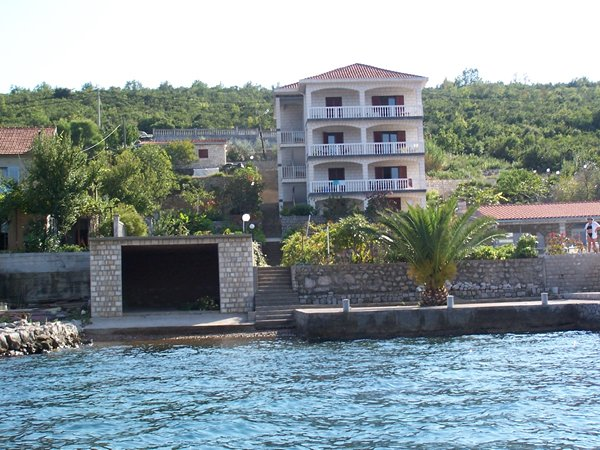 Мини-отель со своим причалом на Адриатике (Черногория)