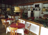 Большой ресторан, гостиница и кемпинг-стоянка на Вадэзее (заповедные места) рядом со Штутгартом, Германия
