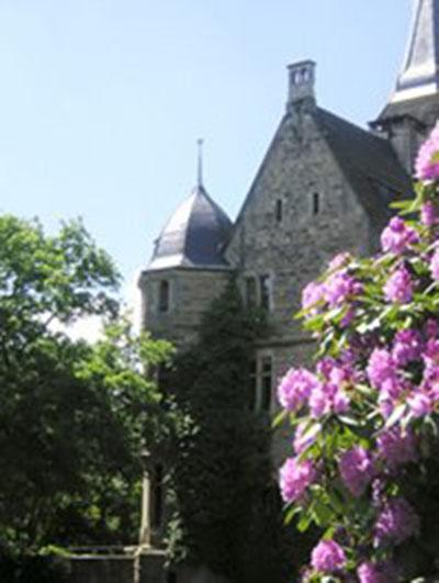 Замок архитектурной эпохи Ренессанс в котором гостиница и ресторан, Германия