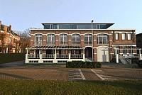 Красивое новое здание возле Антверпена, Бельгия