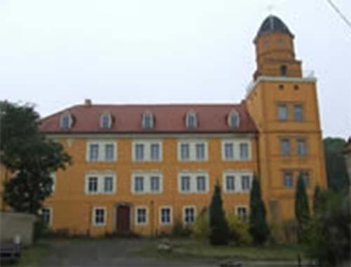Замок в романтическом стиле, земля Захсэн, Германия