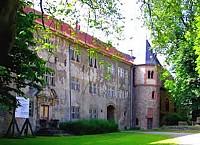 Замок 16 столетия в Нидерзаксэн, Германия
