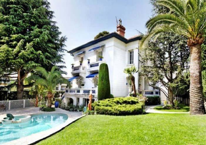 Вилла в буржуазном районе Симье  в Ницце, Лазурный берег Франции.