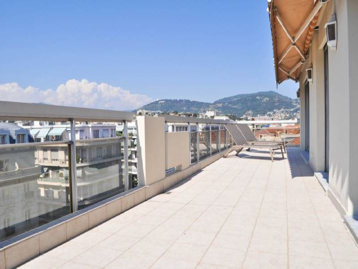 В центре Ниццы престижные апартаменты