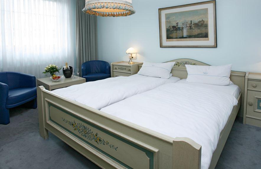 Гостиница плюс квартира рядом с Дюссельдорфом, Германия