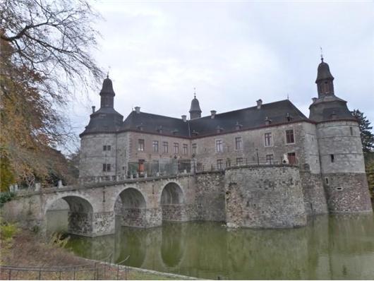 Великолепный замок 16 века в Бельгии