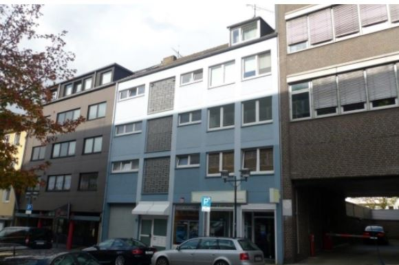 Доходный дом рядом с крупным шопинг-центром, Германия