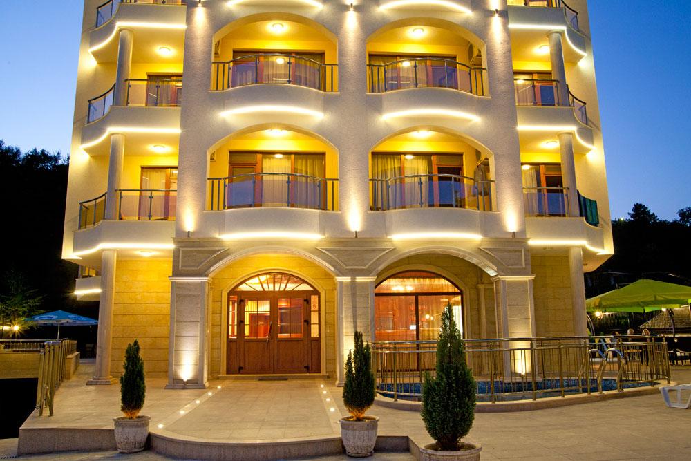 Отель 4*, Болгария, в 100 метрах от моря, г. Варна.
