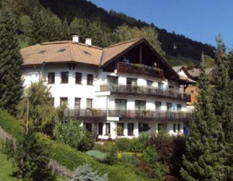 Гостиница в Альпах в регионе Линц, Австрия