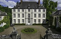 Замок 18 века в Бельгии, в районе Буа Де Мон