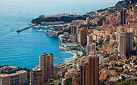 Абсолютнейший раритет в Монако! Громадная квартира пентхауз из 7 комнат с потрясающим феерическим видом на Монако и море!