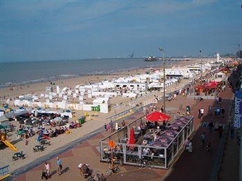 Отель на бельгийском побережье, в 60-ти метрах от моря и пляжа