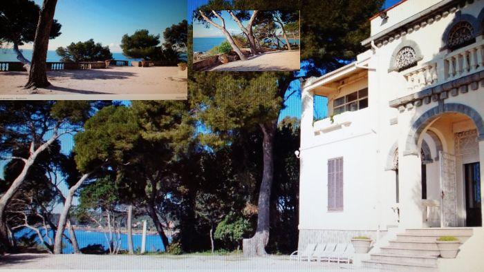 Вилла с прямым выходом в море и громадным садом 1 га между Каннами и Сан-Рафаэелем.