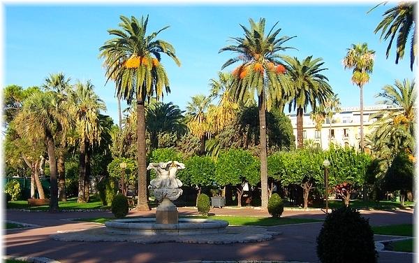 Редкое предложение в Ницце – меблированная недорогая гостиница с квартирами.