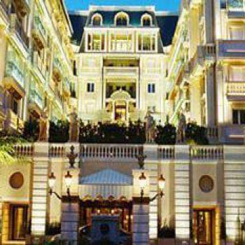 Ресторан в Монако, в Монте-Карло, в двух шагах от Казино.