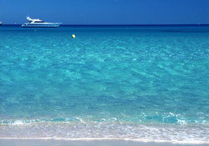 Сан Тропе, Лазурный берег Франции – самая дорогая вилла с собственным пляжем и громадным участком.