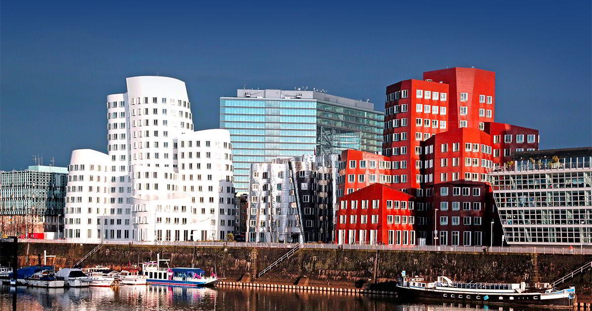 Земельный участок в центре Дюссельдорфа, Германия, с разрешением на строительство жилого комплекса