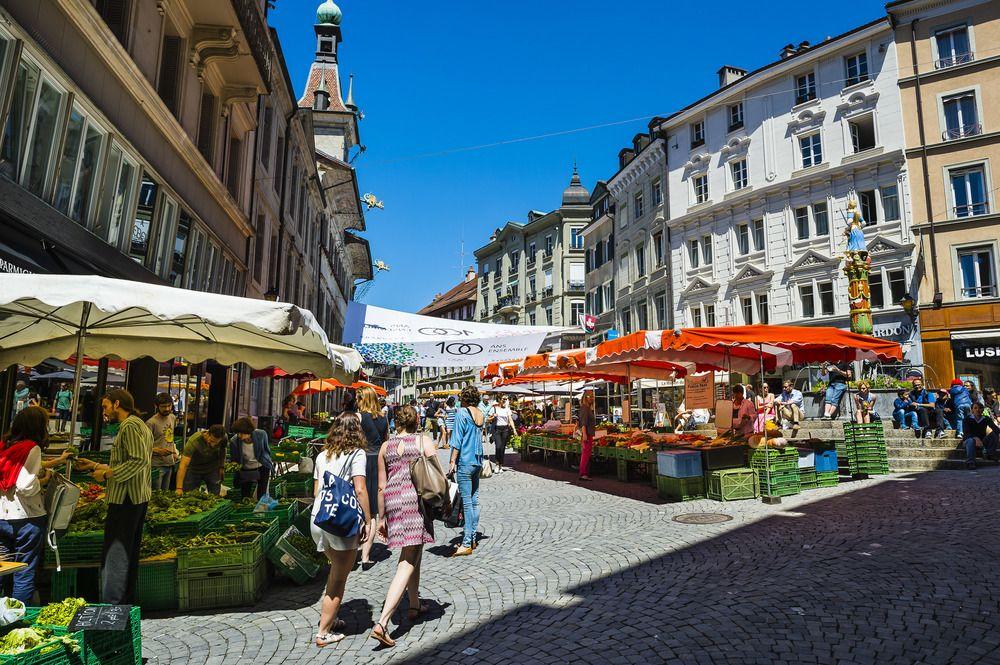 Великолепная семейная гостиница с рестораном в самом историческом центре Лозанны, Швейцария