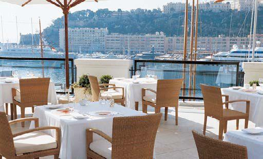 Одна из лучших гостиниц в Монте-Карло, княжество Монако