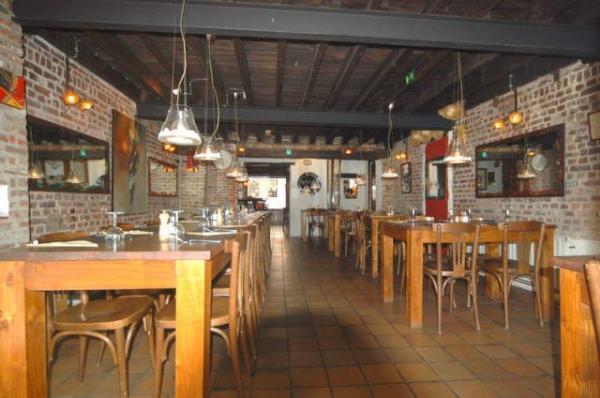 В Брюсселе, продается коммерческий дом с рестораном