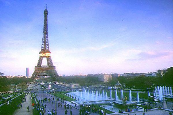 Париж, Париж, Париж - он может быть виден весь из Вашего окна!