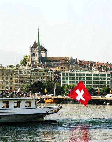 Участие в производстве знаменитых швейцарских часов в Женеве - 49 процентов акций!