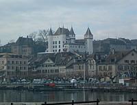 Гостиница в Швейцарии, в старом городе в Нионе, рядом с Женевой