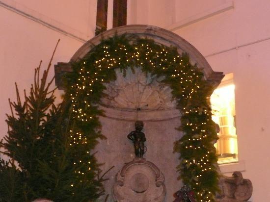 Бессмертие! Знаменитость! Рентабельность! В центре Брюсселя в столице Европы!