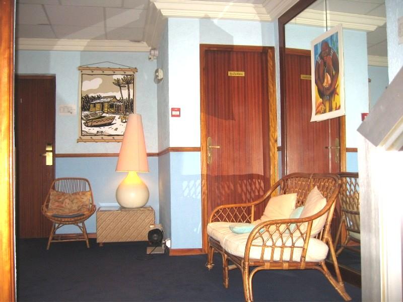 Недалеко от Канн, Франция, гостиница