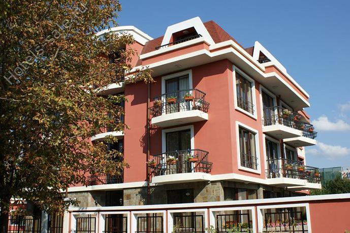 Отель в Равде, в Болгарии