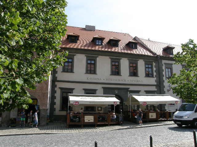 Стильный исторический отель с рестораном, винарней, кофейней, коммерческими помещениями в Праге